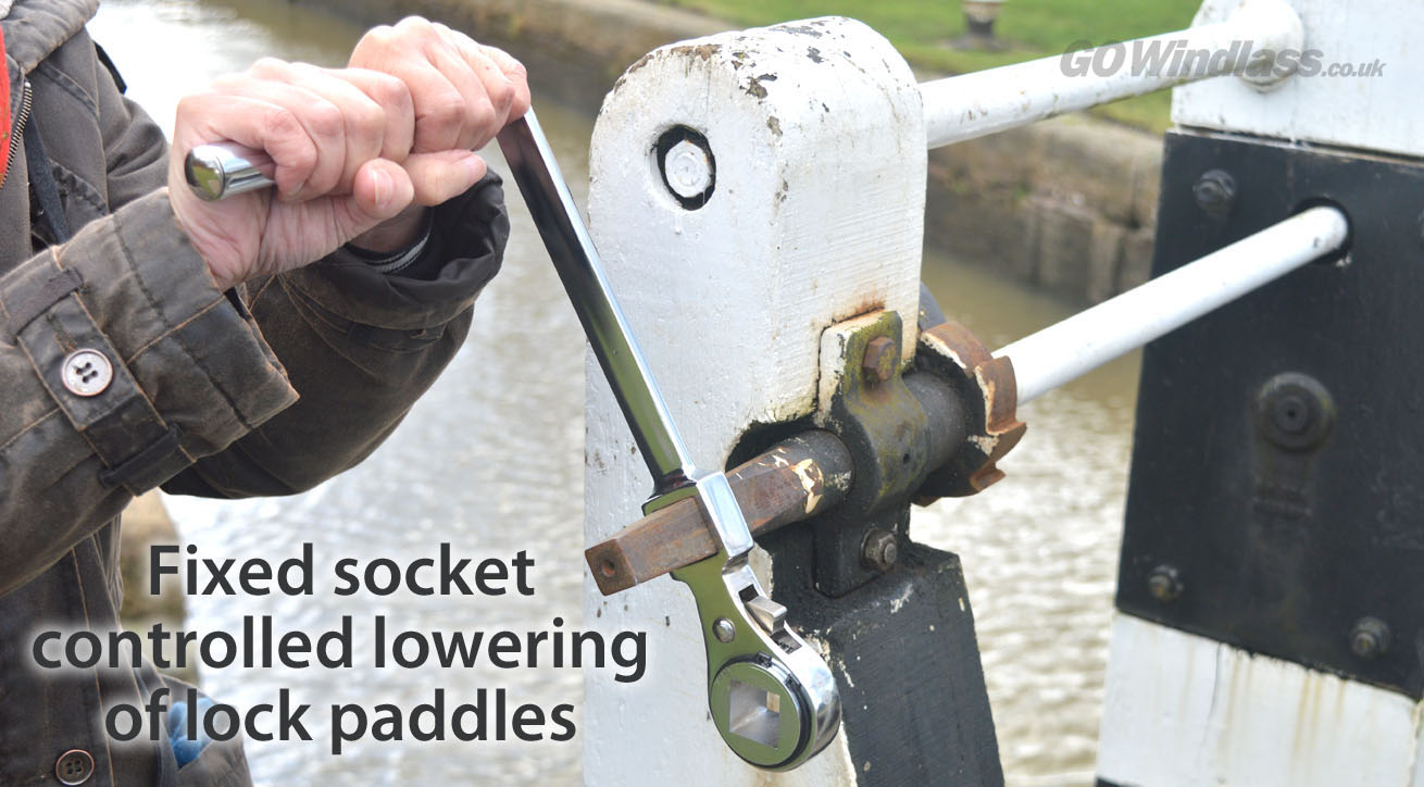 GOWindlass fixed socket for lowering lock paddles